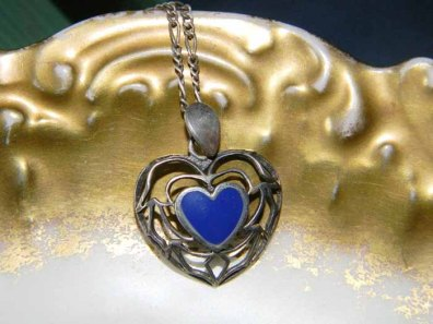 LoversLaneJewelry ~ ViNTaGe LAPIS HEART PeNDANT NeCKLACE