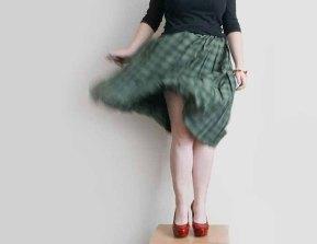 plot ~ Vintage accordion pleated Plaid skirt
