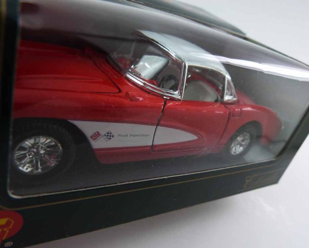 Pretty Superior 1957 Chevrolet Corvette Die Cast 1:34 Scale Model Collectible Car SS5719W - Red and White - MIB Mint in Box