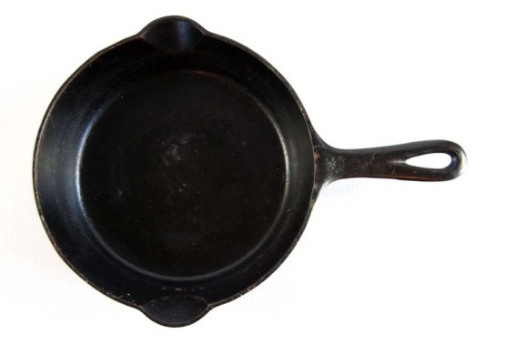 vintage griswold black cast iron skillet 724 erie pa at labelhere
