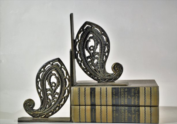 Paisley Design Metal Cast Iron Bookends at decor4home2